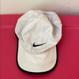 NIKE SOLID WHITE ADJUSTABLE HAT ONE SIZE
